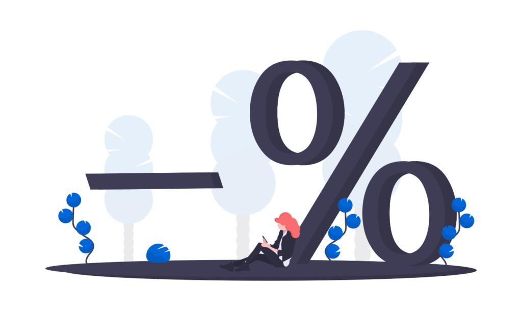 Billigst forbrukslån illustrasjon vist med en kvinne som sitter og noterer noe ved bunnen av et stort prosenttegn